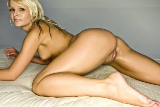 Candid photos of sexy young Blonde