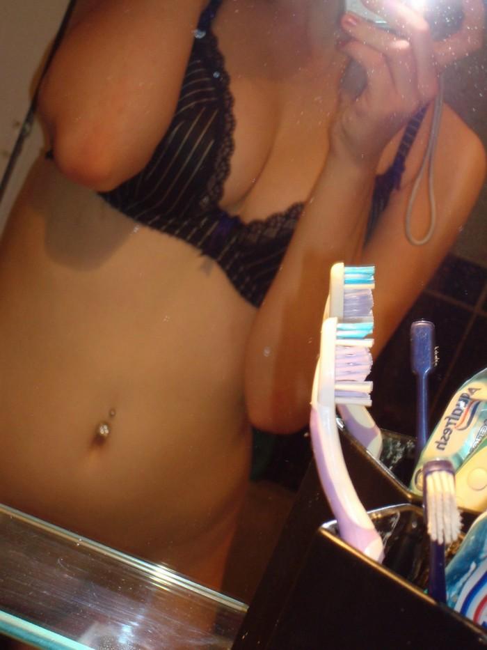 Teen Blonde Selfie