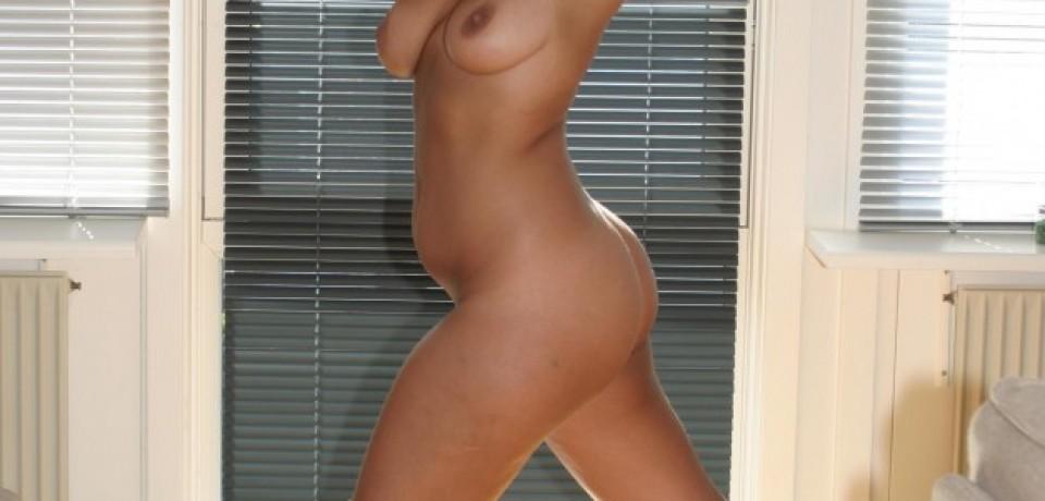 big_tits_blonde_amateur_12