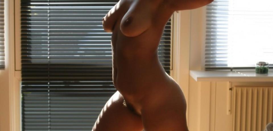 big_tits_blonde_amateur_32