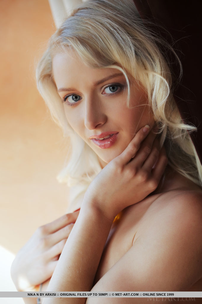 Sexy blonde Ukraine girl Nika N - Binatta