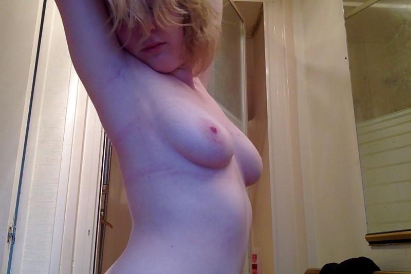 Sexy Amateur Blonde Laura