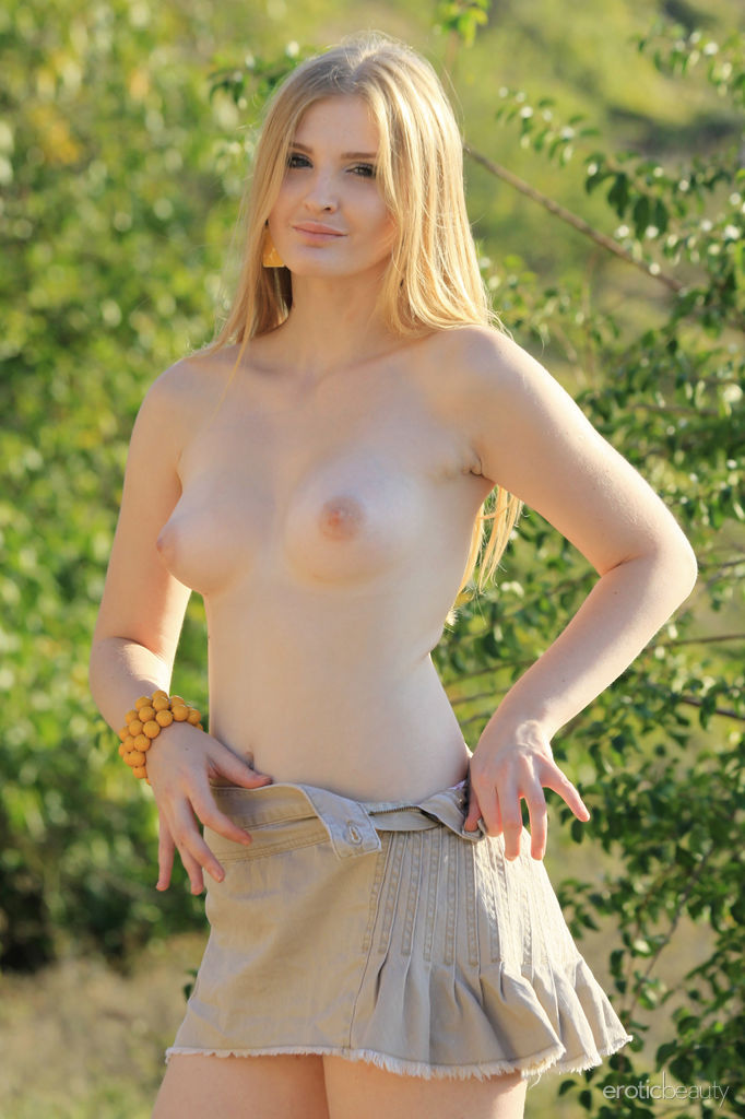 Sexy Blonde Tinaa in Fresh Air by Aleksa Tan