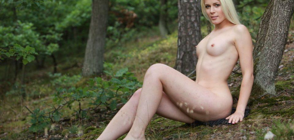 Naughty Amateur Blonde Sandik A 08