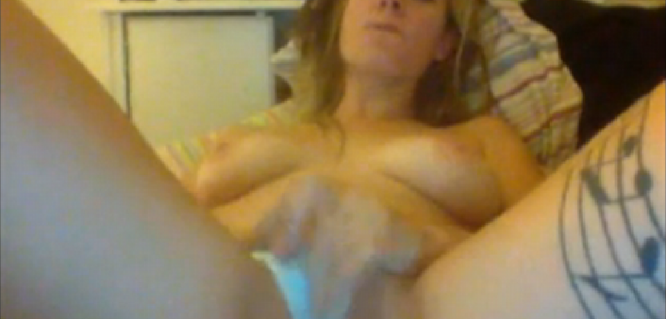 Naughty Blonde Amateur Teen Sex Games on Webcam